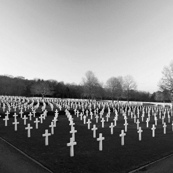 Cimitero di guerra   © Neil Thomas