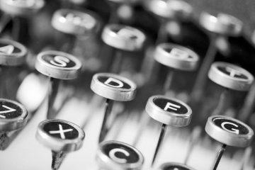 Vecchia macchina per scrivere | © Peter Lewicki