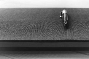 Penna su libro   © Thomas Martinsen