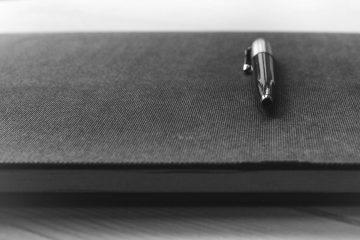 Penna su libro | © Thomas Martinsen