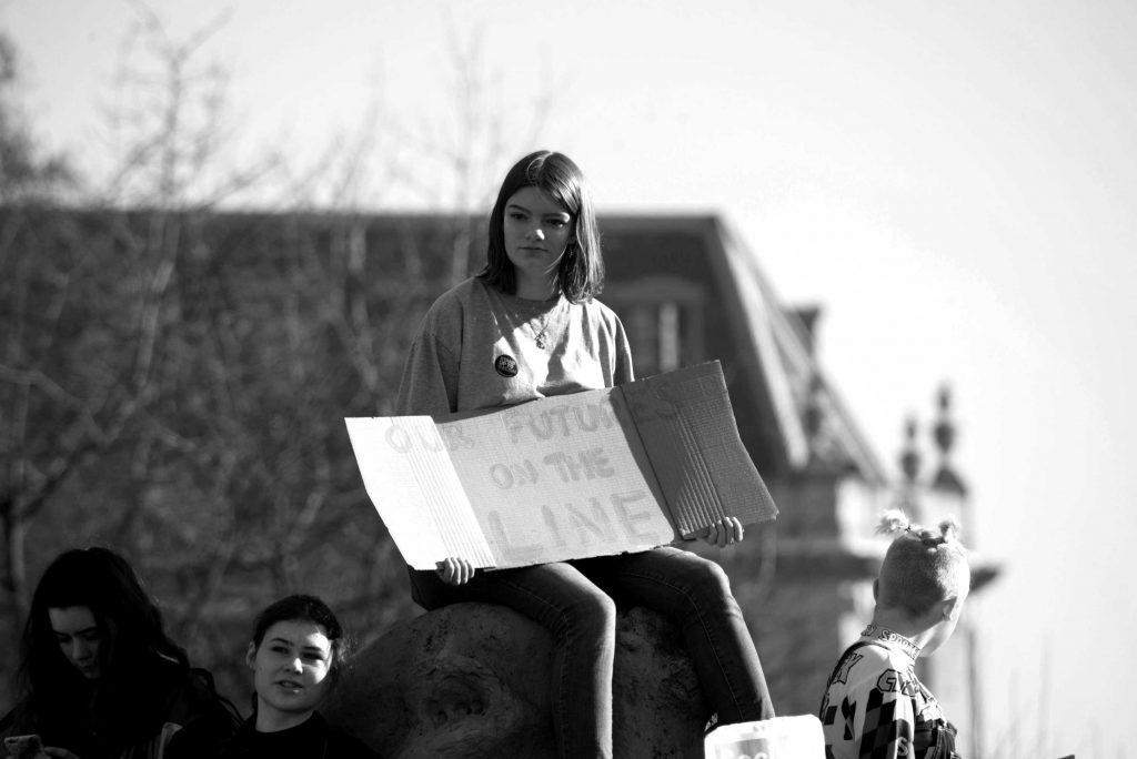 Giovane manifestante | © Josh Barwick