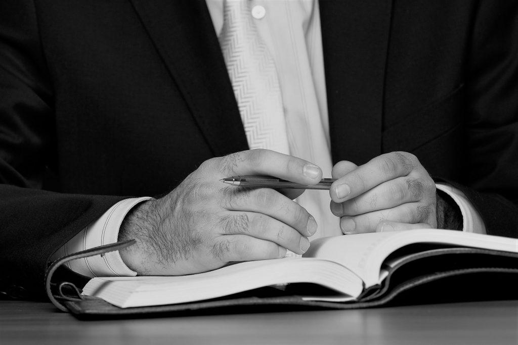 Come diventare traduttore giurato: falso problema