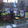 Uno dei molti monumenti improvvisati ai caduti dei fatti di Majdan Nezaležnosti